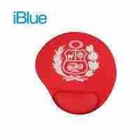 Mouse pad IBLUE con descansador rojo escudo blanco